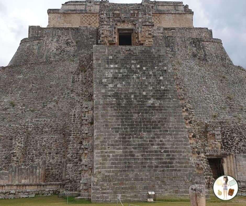 Piramidy Uxmal - Zakręcona Podróżniczka