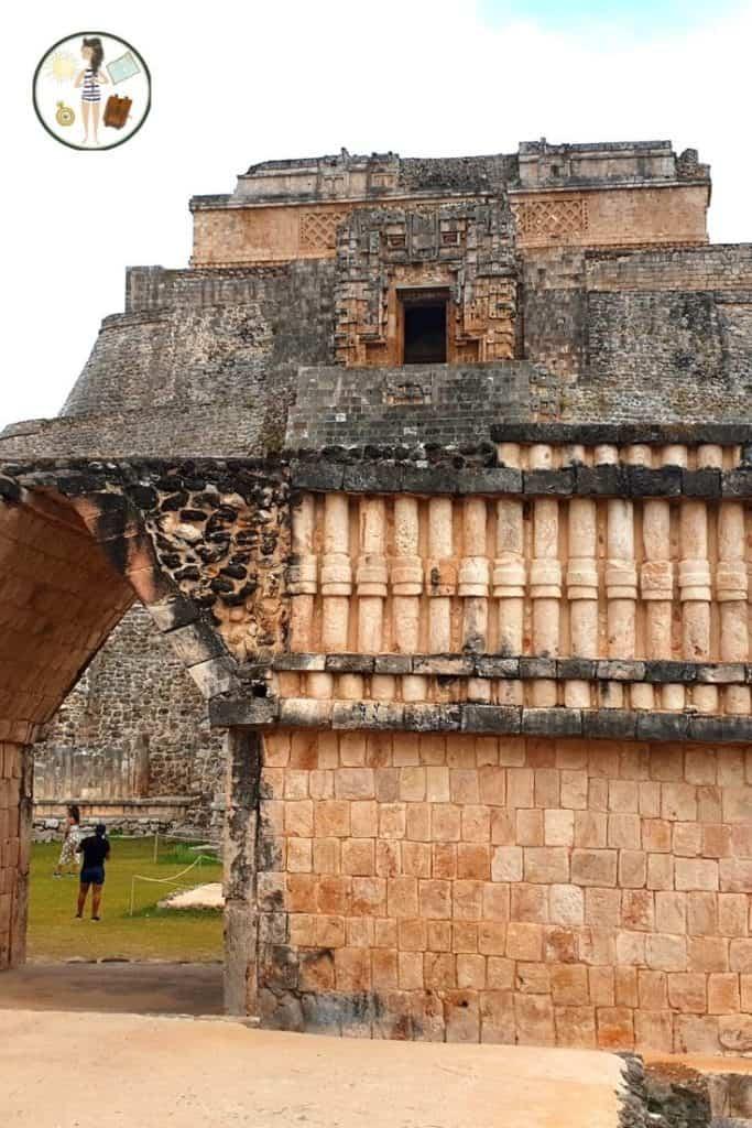 Piramidy w Uxmal - Zakręcona Podróżniczka